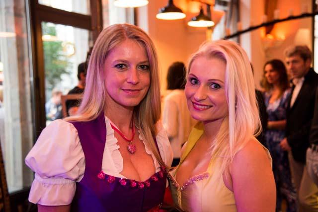 Austern sushi und kunst full kitchen party im zar for Wohndesign tamara petersen